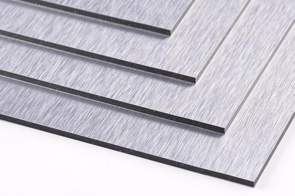 Panel compuesto de aluminio plateado cepillado